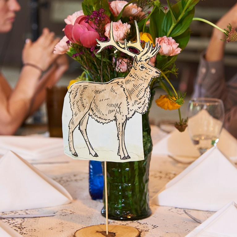 elk table decor