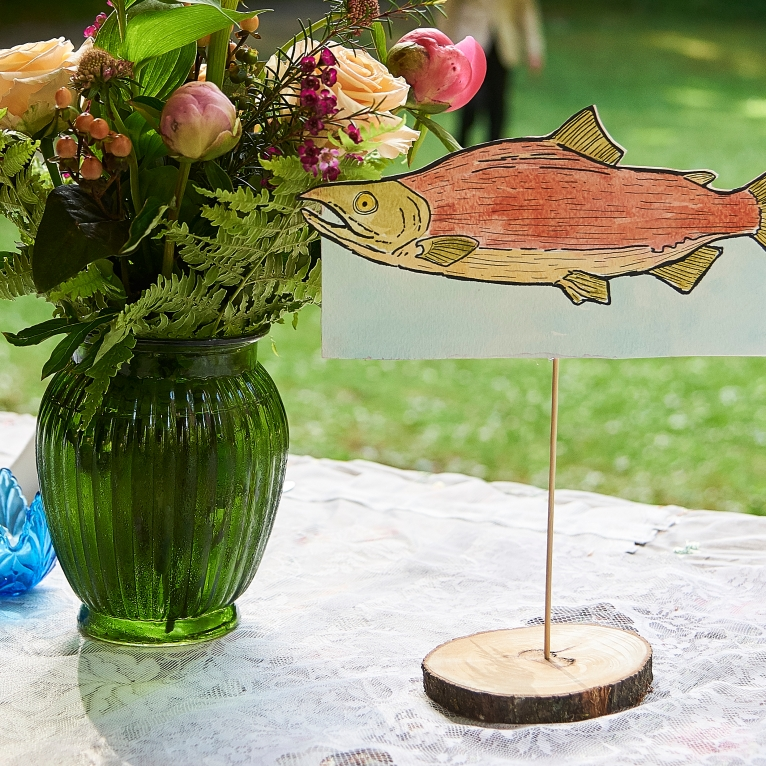 salmon table decor